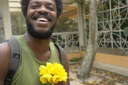 Paulo Sabino & a flor amarela